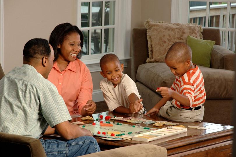 بازی رومیزی بردگیم در خانه